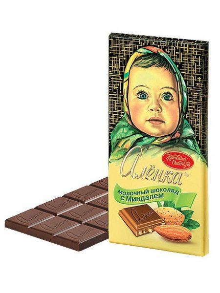 Молочный шоколад Аленка с миндалем