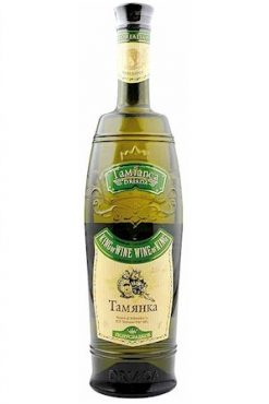 Белое полусладкое вино Тамянка